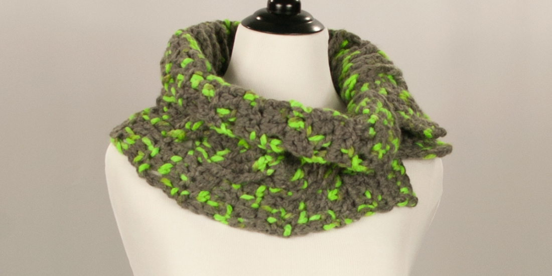 Parakeet Button Cowl | Webster Fiber Arts